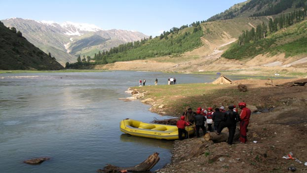 Top Five Potential Rafting Places in Pakistan