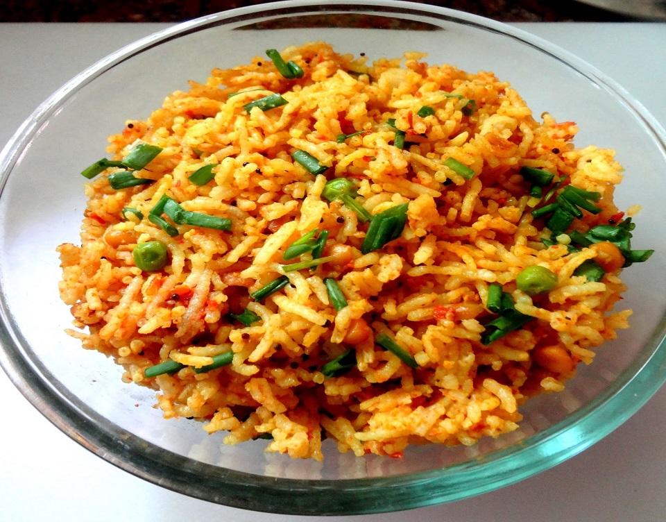 Pea&Green-Onion-Rice-Kluchit