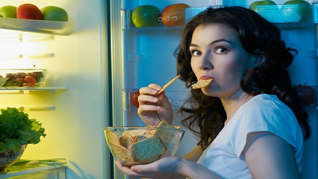 5 Foods You Should Never Eat Before Bed!