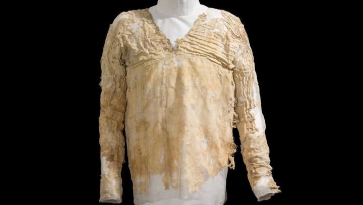 Tarkhan: World's Oldest Dress
