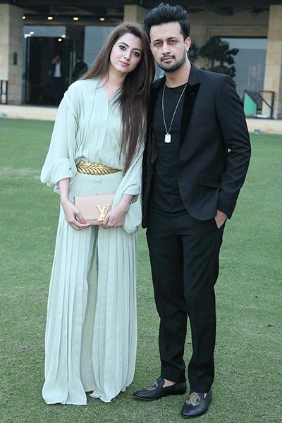 Kluchit-Celebrities-who-give-us-couple-goals-atif-aslam-sara-bharwana