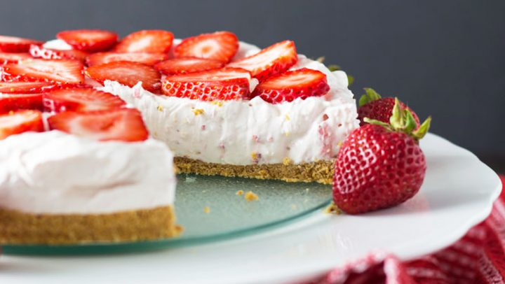 We made a No Bake Strawberry Cheesecake this weekend and you should too!