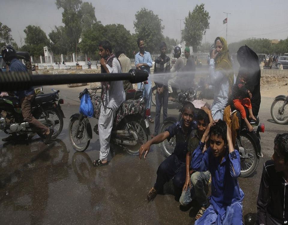 kluchit-pakistan-heat-wave-deforestation-plant-a-tree