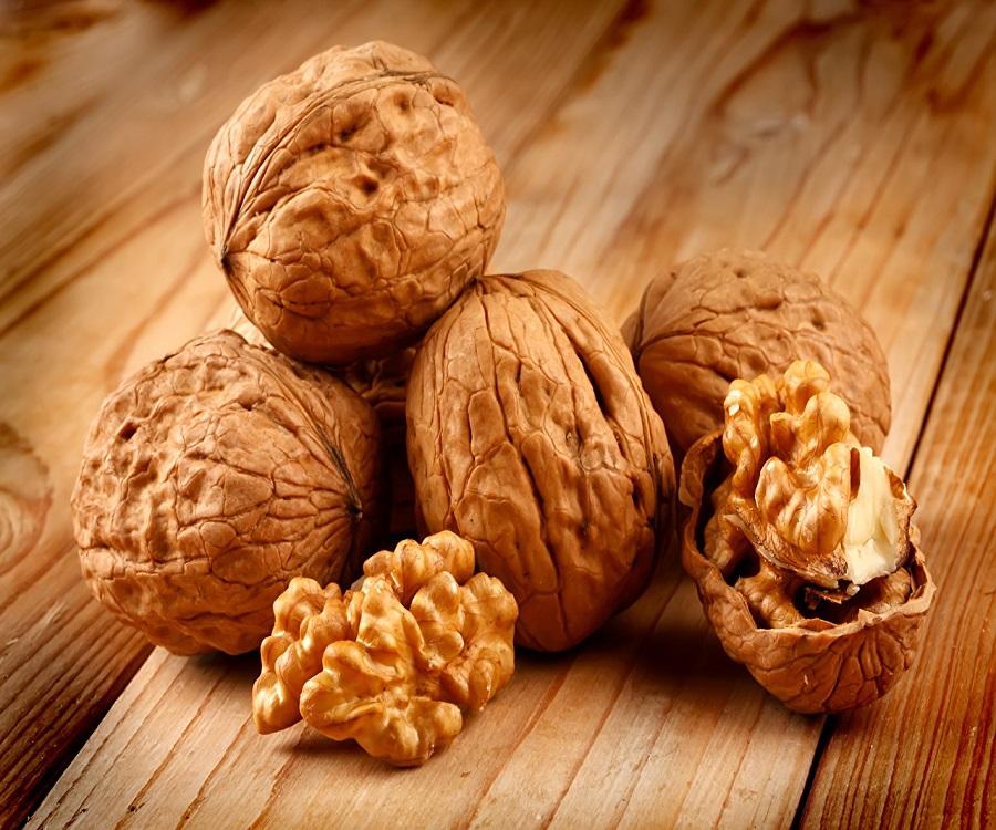 Nuts_Closeup_Juglans_476395